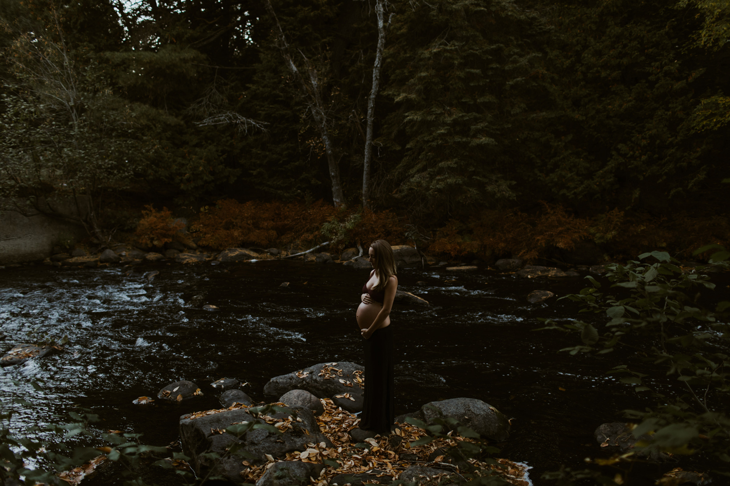 Maternity portrait burnt river