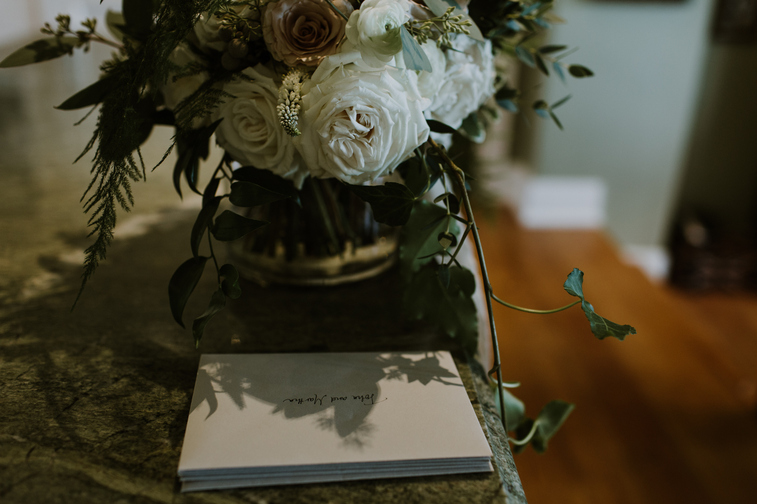 Bouquet and thank you cards