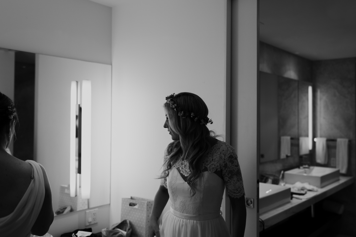 Bride getting ready Toronto Thompson Hotel Wedding Photos