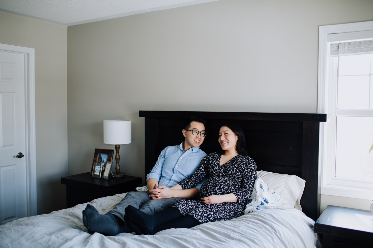 in home maternity session photographer
